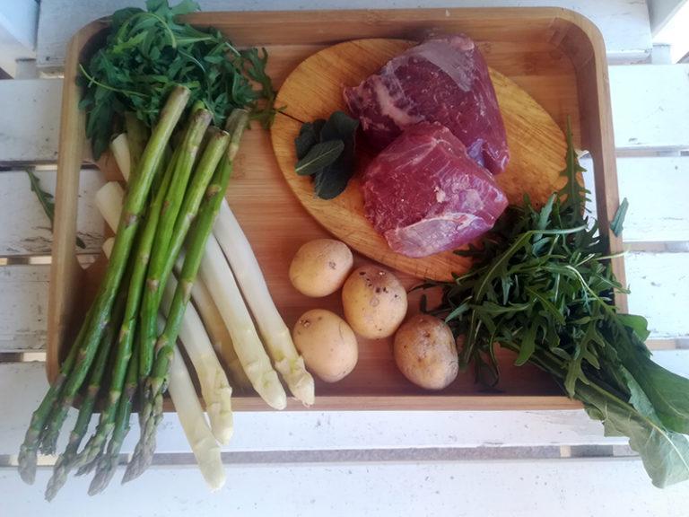 Lammfilet mit Kartoffeln, Spargel und grüner Soße